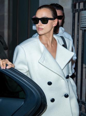Фото №10 - Как одевается самая модная российская топ-модель: 6 правил стиля Ирины Шейк