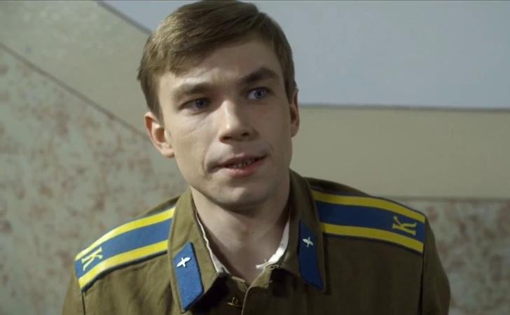 Фото №1 - Тест: Кто из российских звезд служил, а кто— нет?