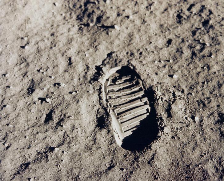 Фото №1 - Сохранятся ли следы человека на Луне через миллион лет?