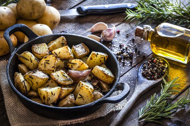 Можно ли есть проросшую картошку