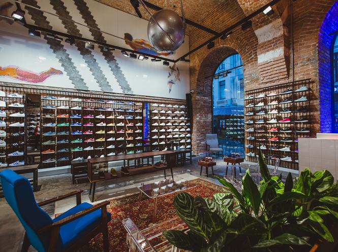 Фото №3 - Первый и единственный: в Москве открылся флагманский магазин Adidas Originals