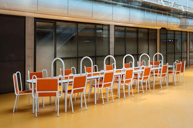 Фото №10 - Яркая мебель Матали Крассе в атриуме по проекту Ренцо Пьяно