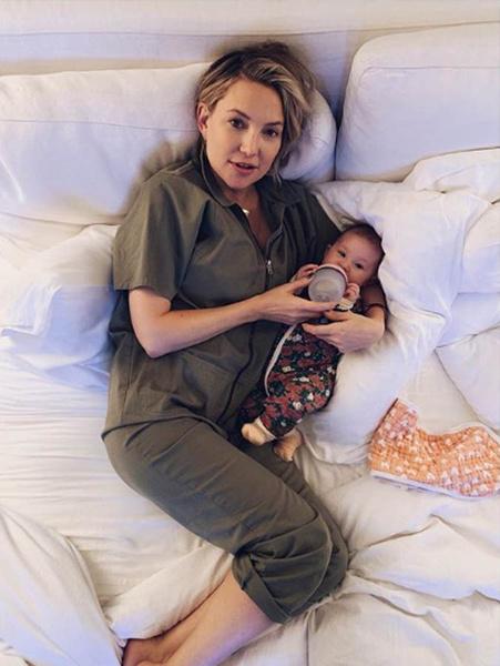 Кейт Хадсон с ребенком фото