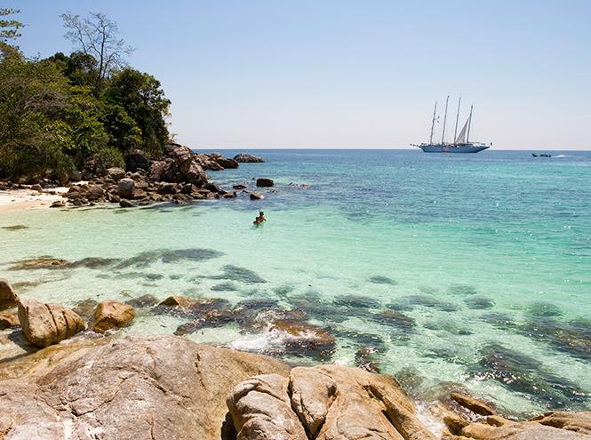 Фото №4 - Почти необитаем: 7 пляжей для любителей уединенного отдыха