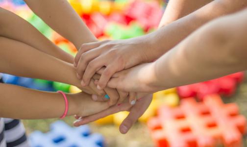 Фото №1 - Роспотребнадзор: Подростков и детей с ВИЧ в России становится больше