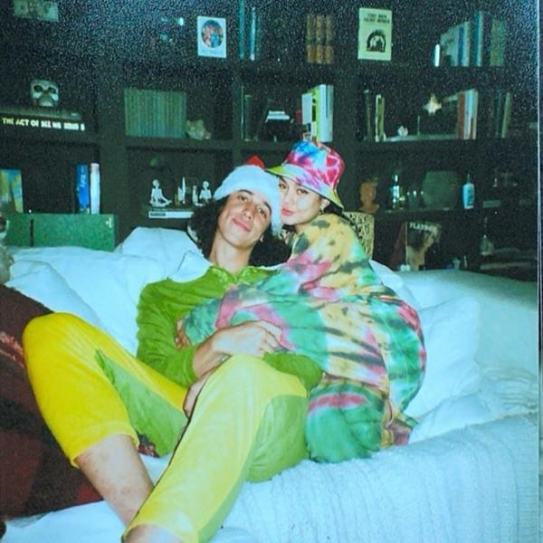 Фото №2 - Чудеса на удаленке: Ванесса Хадженс рассказала, как встретила своего бойфренда