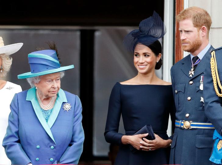 Фото №1 - Предательство семьи: чем Сассекские расстроили Королеву (снова)
