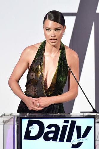 Фото №4 - Лучшие и худшие наряды звезд на Fashion Los Angeles Awards