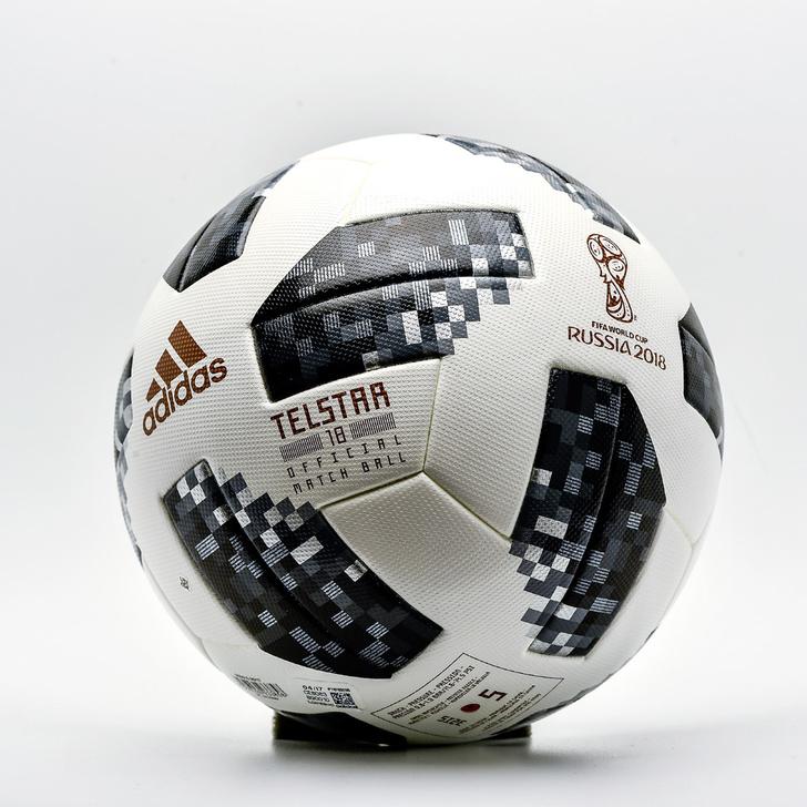 Фото №4 - Праздник, который всегда с тобой: что собирают любители футбола