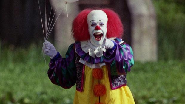 Фото №2 - Самые жуткие и пугающие ужастики про клоунов-убийц 🔪