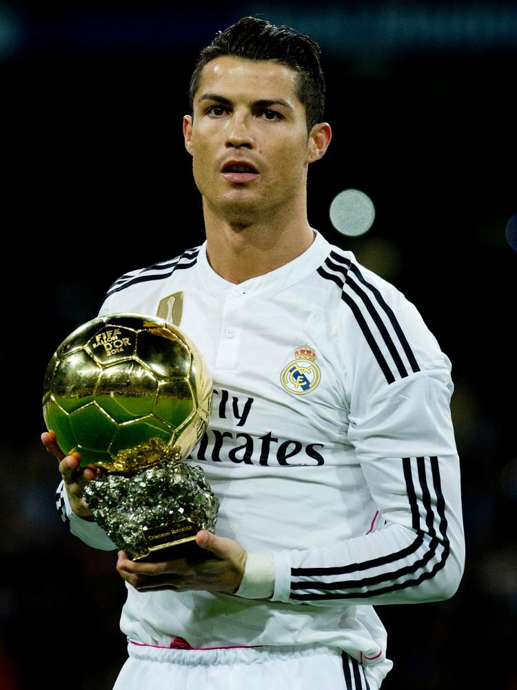всегда красивые фотографии футболистов выбирает