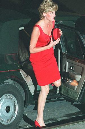 Фото №8 - За что принцесса Диана любила клатчи (не догадаетесь)