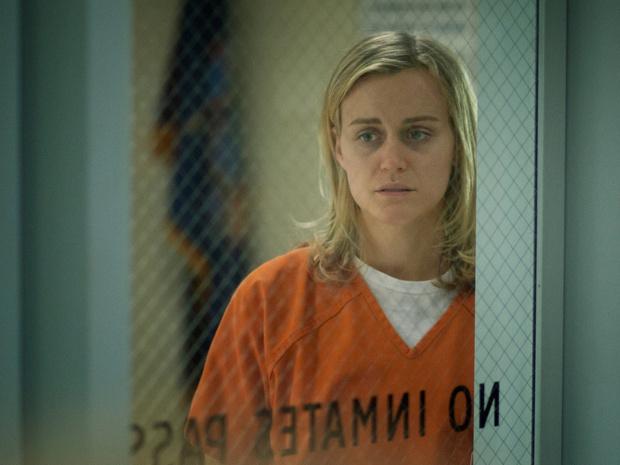 Фото №3 - От «Карточного домика» до «Проклятой»: 7 лучших экранизаций Netflix