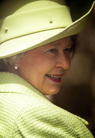 Фото №5 - Одним цветом: как королевские особы носят монохромные образы— 30 вдохновляющих примеров