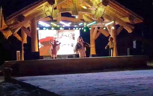 Фото №1 - В Красноярске сняли «самую грустную вечеринку» с аниматорами, на которую не пришли зрители (видео)