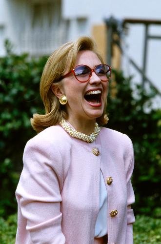 Фото №8 - Брючные костюмы и яркие цвета: модные победы Хиллари Клинтон