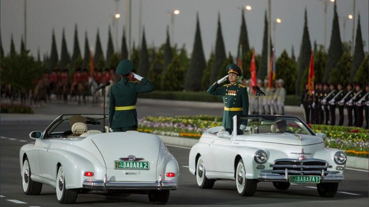 Фото №2 - Немецкая «Победа» из Туркмении— главная звезда парада на Красной площади