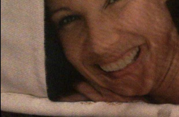 Фото №3 - Девушка чуть не бросила парня, решив, что нашла в его постели фото бывшей. Правда оказалась комичной
