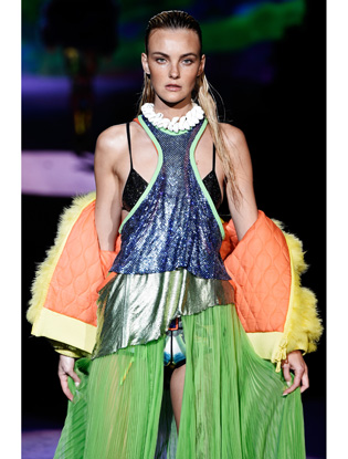 Фото №12 - Неделя моды в Милане: Versace, Roberto Cavalli, DSquared2
