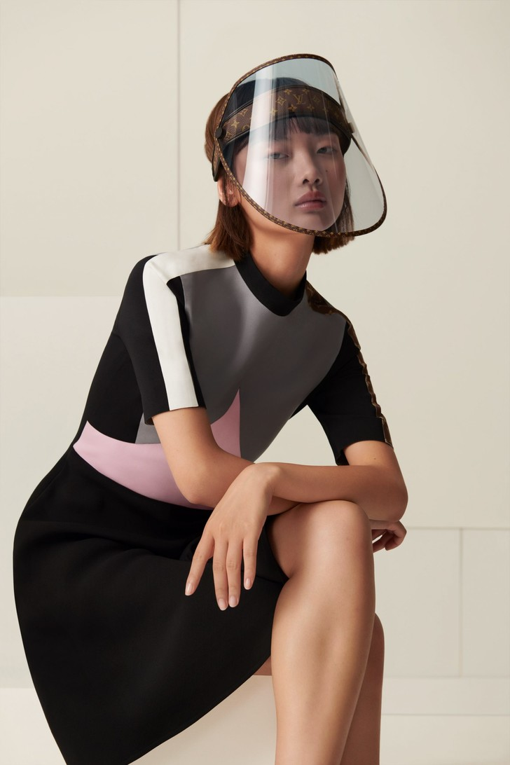 Фото №2 - Модный аксессуар: защитный экран Louis Vuitton