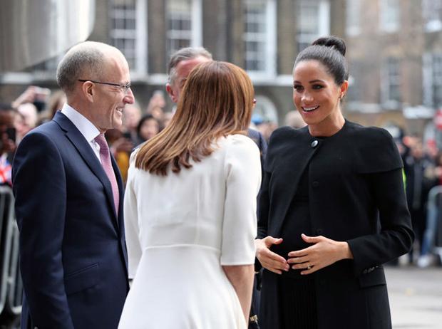 Фото №3 - Новый тур Гарри и Меган – угроза здоровью герцогини или ее репутации?