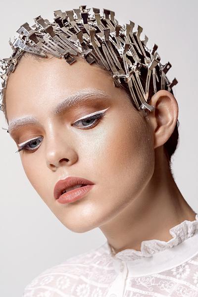 Фото №7 - Новогодний макияж: 3 волшебных образа в стиле сказки о Щелкунчике