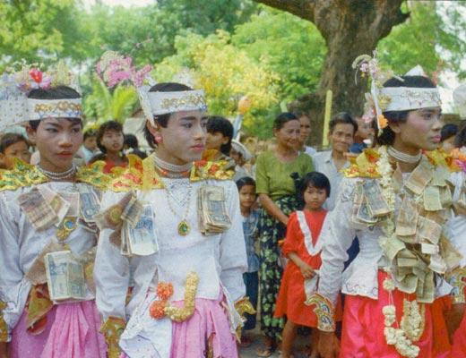 Фото №1 - Золотые пагоды Мьянмы