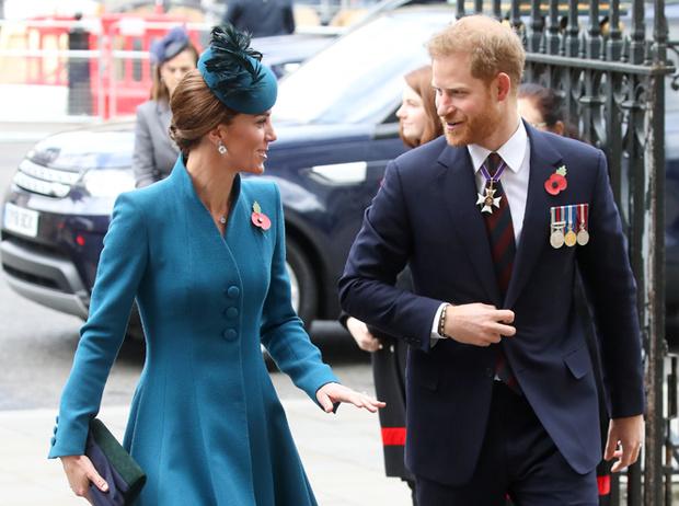 Фото №3 - Герцогиня Кейт восстанавливает мир между Уильямом и Гарри