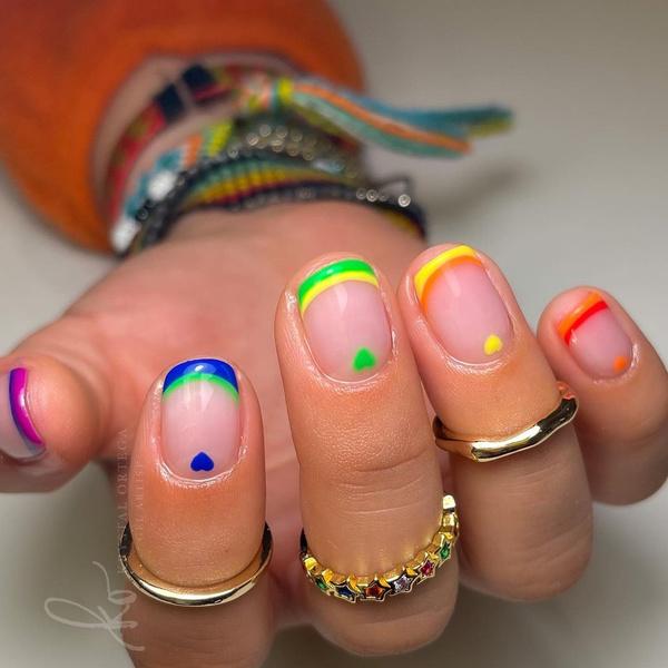 Фото №8 - Креативный маникюр на короткие ногти: 9 стильных нейл-дизайнов