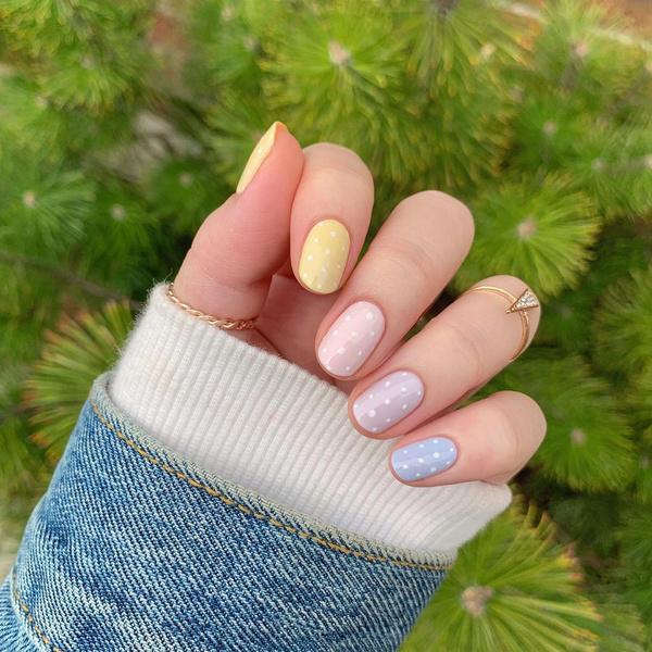 Фото №4 - Skittle nails: 12 идей конфетного маникюра