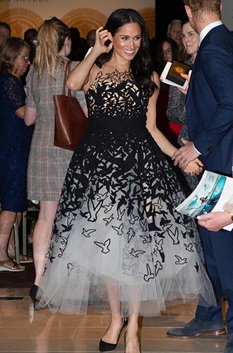 Фото №2 - Неожиданный вывод модного эксперта о стиле Меган Маркл: «Новая Уоллис Симпсон»