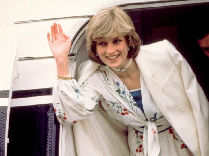 Фото №1 - Стрижка раздора: как принцесса Диана «украла шоу» у Королевы
