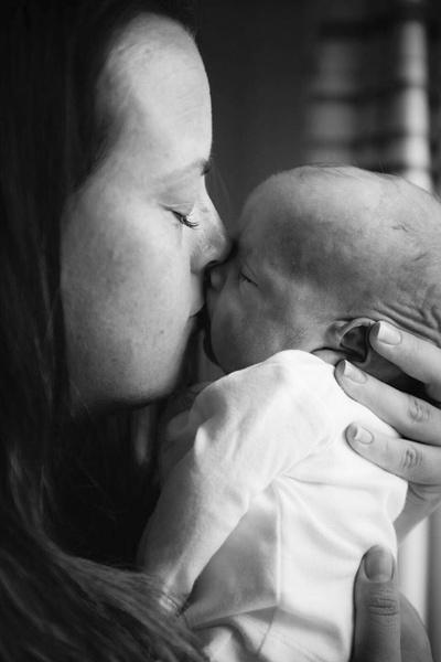Фото №6 - Мать засняли с малышом за секунды до его смерти