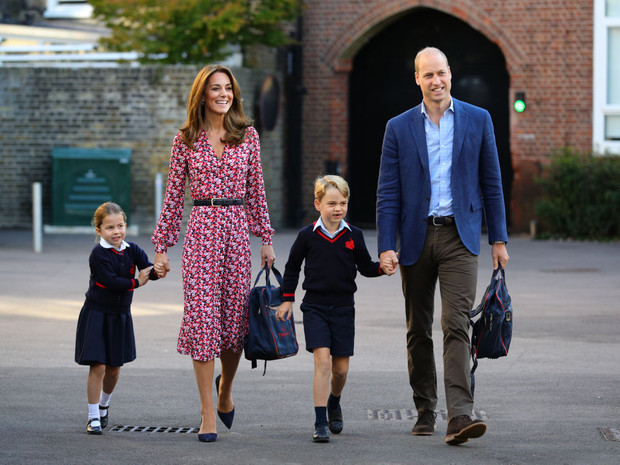 Фото №2 - Почему принцесса Шарлотта не может пользоваться своим титулом в школе