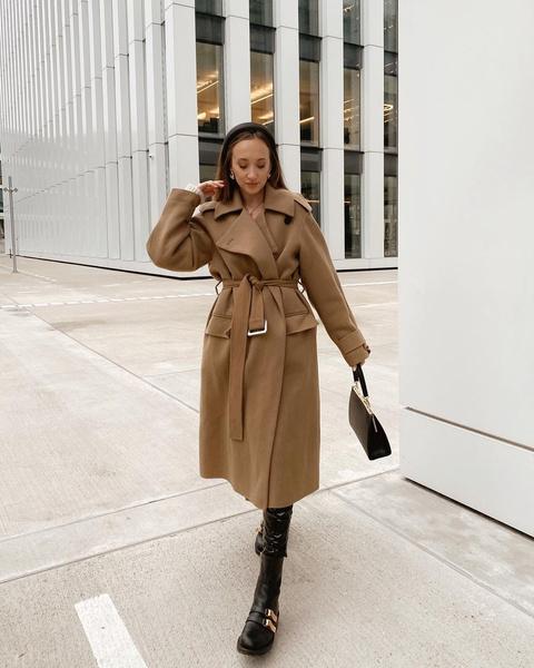 Фото №1 - Базовый гардероб: где купить пальто-халат на осень 2021