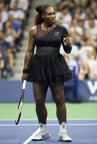 Фото №6 - «Мать, чемпионка, королева, богиня»: новое стильное заявление Серены Уильямс