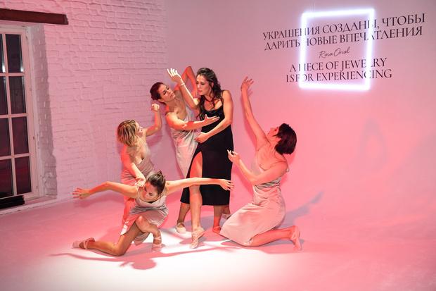 Фото №4 - Во имя розы: 25 октября прошел показ коллекции высокого ювелирного искусства Atelier TOUS Rosa Oriol