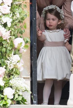 Фото №15 - Фирменные позы и жесты королевских особ (а вы замечали?)