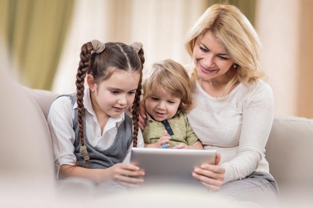 Фото №1 - Дети под контролем: родители начали получать на мобильные push-уведомления об оценках и домашнем задании