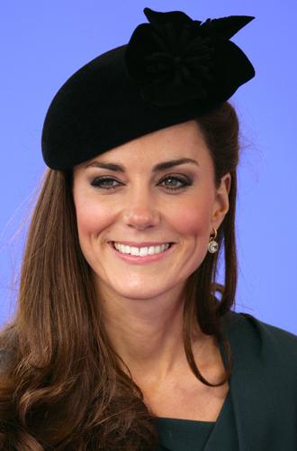 Фото №2 - Драгоценности герцогини: любимые ювелирные бренды Кейт Миддлтон