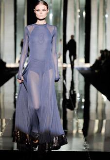 Фото №12 - Versace, Prada и Cavalli в Милане