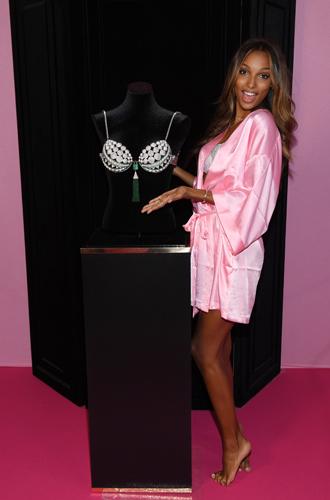 Фото №5 - 10 фактов, которые следует знать об ангелах и Victoria's Secret Show 2016