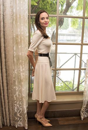 Фото №18 - Почему Анджелина Джоли — снова икона стиля, или Что такое luxe purism