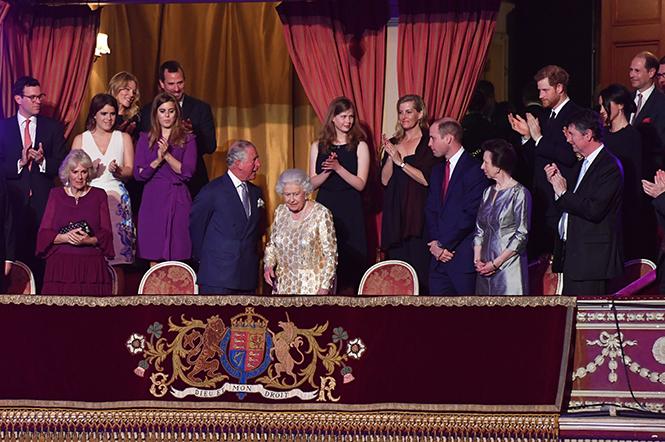 Фото №1 - Самые интересные моменты вечеринки в честь 92-летия Королевы