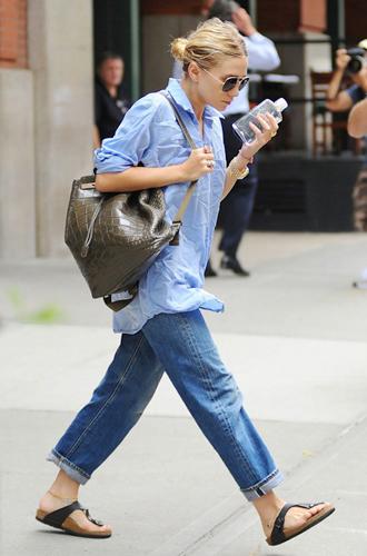 Фото №16 - Было ваше, стало наше: как и с чем носить джинсы-бойфренды