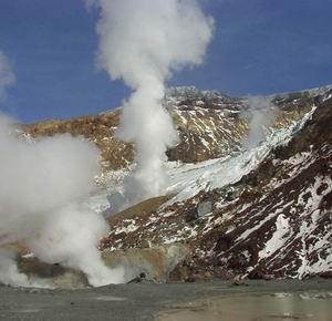 Фото №1 - На Камчатке отмечен рост активности Мутновского вулкана