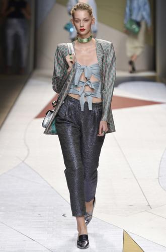 Фото №22 - Fashion director notes: май – что-то старое, что-то новое, что-то голубое
