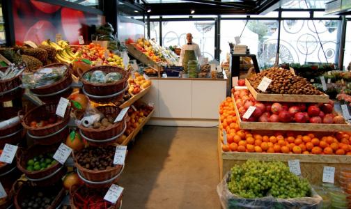 Фото №1 - Владимир Путин попросил россиян не закупать продукты из-за страха перед коронавирусом
