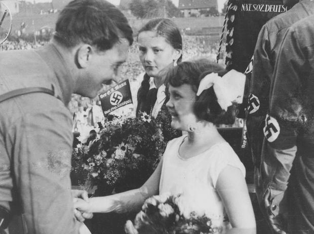 Фото №6 - История с отречением Эдуарда VIII: как Уоллис Симпсон стала проектом Гитлера