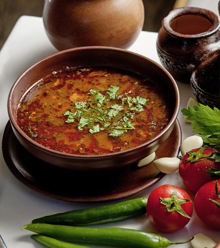 Фото №1 - На маминых харчах: рецепт знаменитого грузинского супа